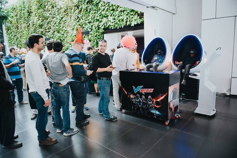 מתקן סימולטור VR באירוע עסקי