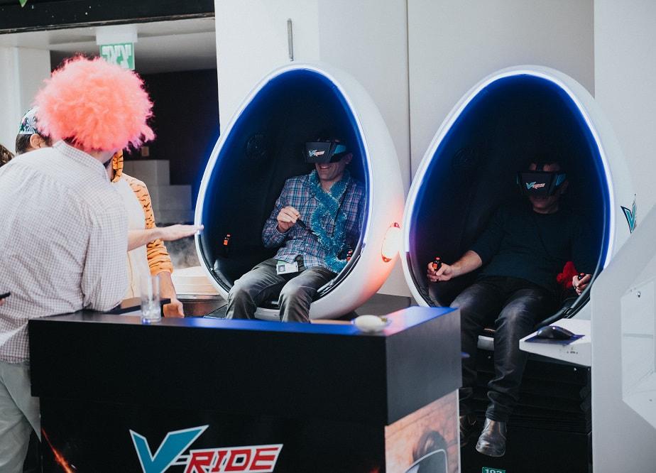 סימולטור VR במהלך אירוע עסקי
